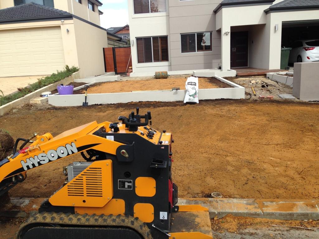 Front  yard Rossmoyne property